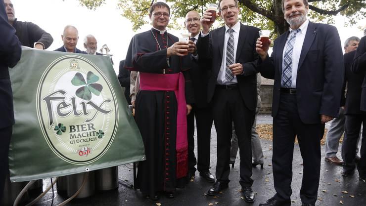 Messe zum St.Ursentag 2014 mit Kardinal Kurt Koch und Bischof Felix Gmür: Danach gabs einen Apéro mit Felix-Bier von der Öufibrauerei.
