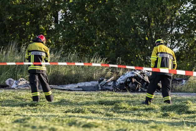 Der erfahrene Pilot, der auf dem nahe gelegenen Flugplatz gestartet war, kam beim Absturz ums Leben.