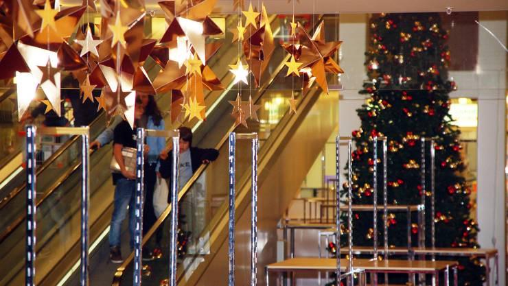 Advent, Advent: Im Wynecenter Buchs wird für Weihnachten dekoriert. (trö)