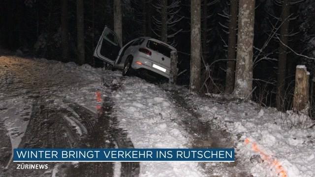 Schnee-Comeback führt zu Unfällen