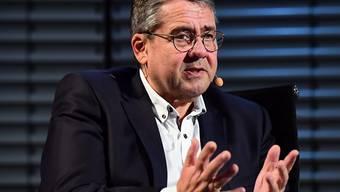 Der ehemalige SPD-Chef und Ex-Vize-Kanzler Sigmar Gabriel soll ein Amt bei der Deutschen Bank erhalten. (Archivbild)