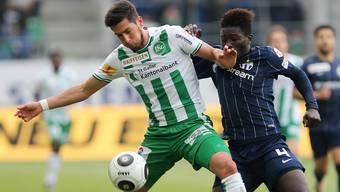 Die Zürcher hatten gegen St. Gallen das Nachsehen: Moussa Kone (r.) im Zweikampf mit Florent Hanin