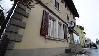 In diesem mittlerweile geschlossenen Lokal an der Bahnhofstrasse in Derendingen (damals Pizzeria Dilara) schoss der damalige Wirt auf einen Gast.  OM