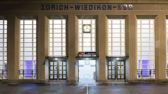 Für einen Rechtsextremen, der 2015 in Zürich-Wiedikon in einer Gruppe einen Juden angepöbelt hat, setzt es eine happige Strafe ab. (Symbolbild)