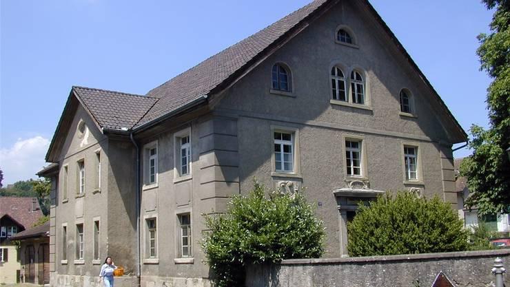 Es wäre begrüssenswert, wenn das alte Grundbuchamt in Laufenburg saniert und dann vermietet werden könnte. chr