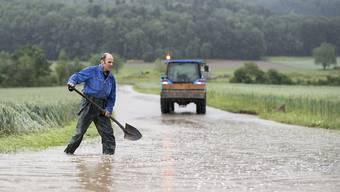 In Dottikon im Kanton Aargau führte der starke Regen letzte Woche zu Überflutungen.
