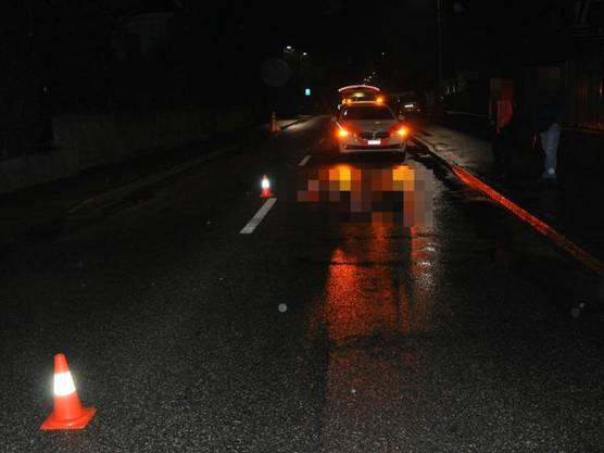 Gerlafingen SO, 17. Januar: Ein 23-Jähriger wird schwer verletzt auf der Strasse gefunden. Er wurde mutmasslich überfahren. Die Polizei nimmt zwei Personen fest.