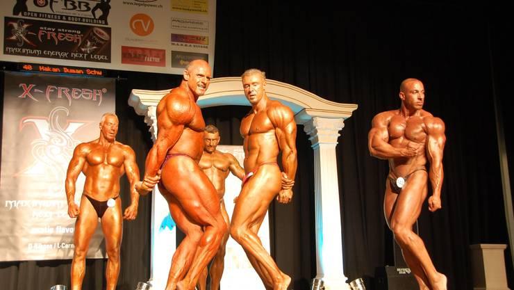 Muskelberge en masse: Bodybuilder in der Stadthalle Dietikon.  dae