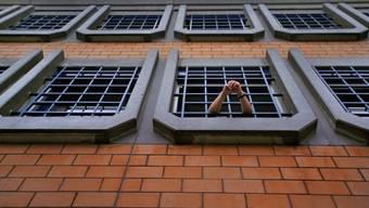 Wenn ein Häftling seine politischen Rechte wahrnehmen will, muss er dies vom Gefängnis aus schriftlich tun. (Archivblid)