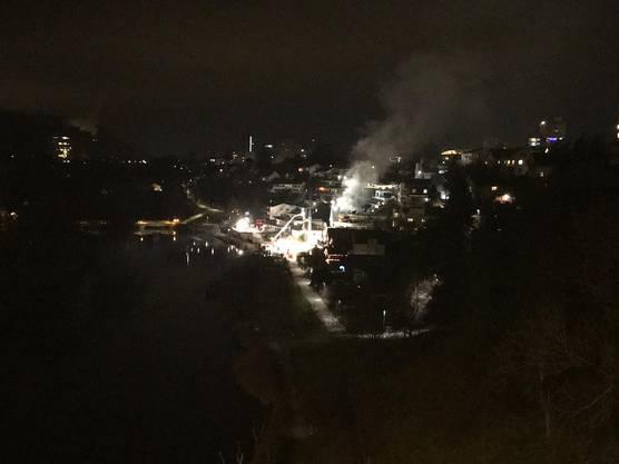 Der Brand, aufgenommen von der Obersiggenthaler Brücke.