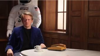 Komiker Brian parodiert den MTV-Programmchef