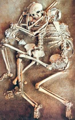 Beim Erdbeben im Jahr 365 n. Chr. kam diese Familie ums Leben.