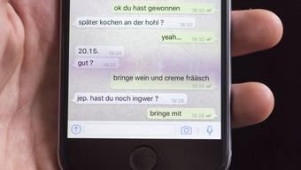 Im Zeitalter von Whatsapp ist der Druck gross, Nachrichten schnell zu beantworten.