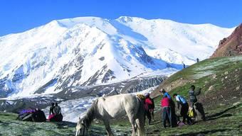 Der Gipfel des 7134 Meter hohen Pik Lenin ist das Ziel der Expedition.  (Foto: K. Kobler)