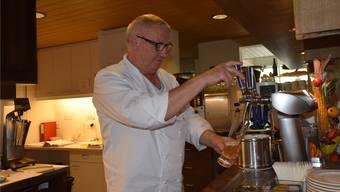 Nach vier Generationen Füglistaller wird im Juli 2016 im Kellerämterhof das letzte Bier gezapft, im Bild Josef Füglistaller. to