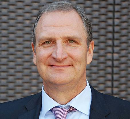 Der Hirnforscher Lutz Jäncke ist Professor für Neuropsychologie an der Universität Zürich. Zu seinen Forschungsschwerpunkten gehört die Plastizität des menschlichen Gehirns. Der 61-Jährige ist verheiratet und hat zwei erwachsene Söhne.