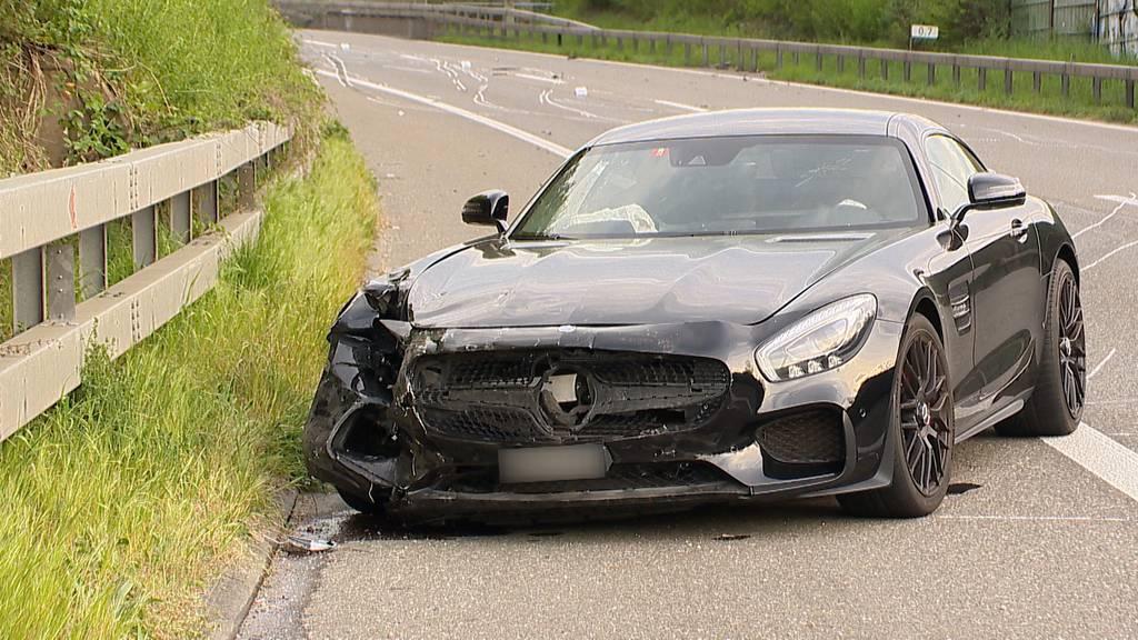 Verkehrsunfall in Wallisellen fordert zwei Leichtverletzte