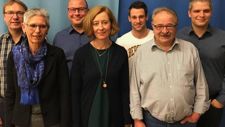 v.l.n.r. Bruno Ziegler (bisher), Sigrun Kuhn (bisher), Thomas Rüeger, Karen Bennett Cadola (bisher), Benjamin Carlin, Stephan Schöni, Philippe Weyeneth (bisher), es fehlt Daniel Brunner.