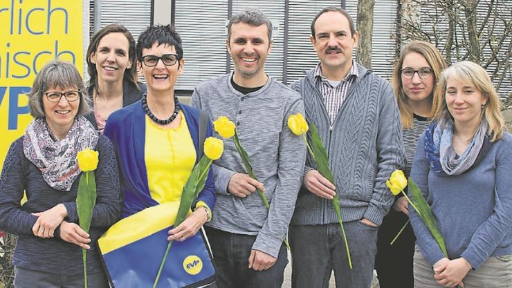 UnbenanntEs kandidieren von links Theres Dietiker, Lydia Siegenthaler, Marlène Wälchli Schaffner, Beat Bachmann, Martin Dietiker, Alisha Steiner, Sandra Mumenthaler.
