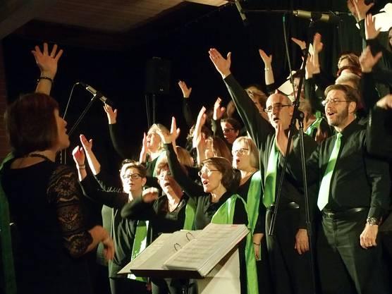 Der Gospelchor Spirit of Hope beim Konzert in der ref. Kirche Nussbaumen