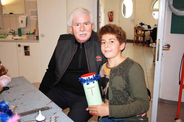 Tarek Chennani (10), Dietikon, mit Opa Willy Moser
