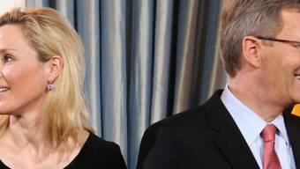 Haben sich wieder versöhnt: Bettina und Christian Wulff (Archiv)