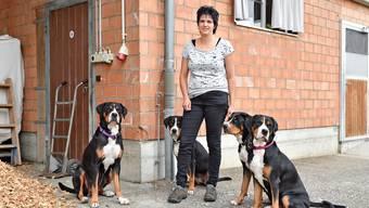 Karin Hengartner bittet in der 11. Staffel der SRF-Serie «Landfrauenküche» auf dem Ruttigerhof zu Tisch.