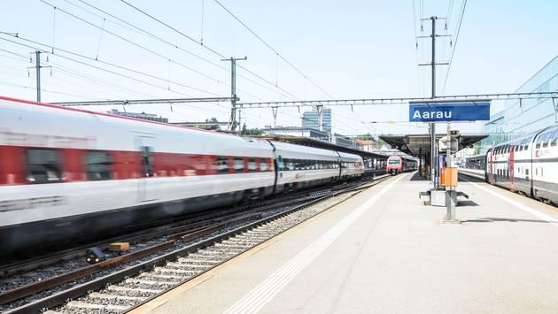 Die S-Bahn Aarau-Zürich fährt ab 2018 im Halbstundentakt.