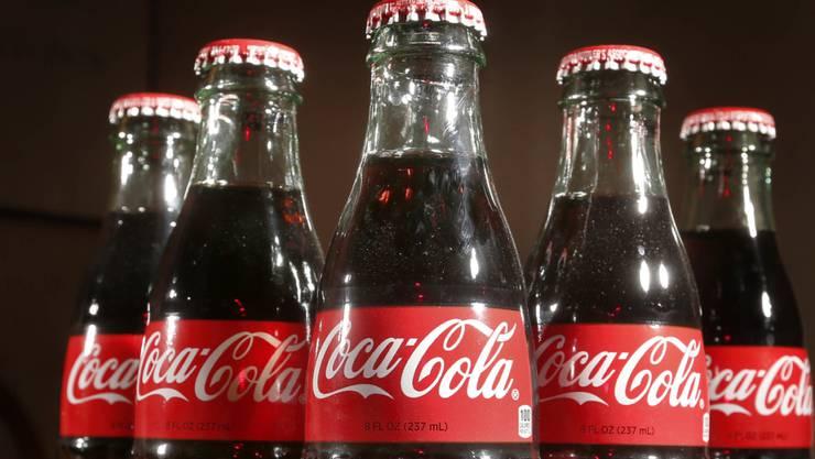 Coca-Cola bekommt den Fitness-Trend zu spüren, da immer mehr gesundheitsbewusste Kunden zu Smoothies, Tees und Säften statt zu Limonade greifen. (Archiv)