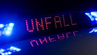 Der beschuldigte Autofahrer verunfallte nach einer über elfstündigen Fahrt mit Start in Rumänien. (Symbolbild)