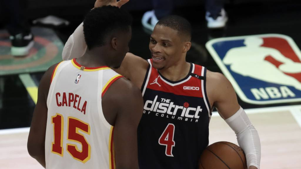 Atlantas Capela und Washingtons Westbrook standen sich in der Nacht auf Dienstag gegenüber. Für den einen gab es den Sieg, für den anderen den Rekord