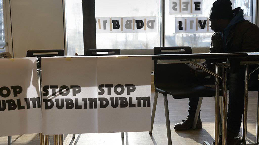 «Gegen Dublin-Ausschaffungen»: In Lausanne hat eine Gruppe von Flüchtlingsaktivisten und Flüchtlingen einen Hörsaal der Universität besetzt.