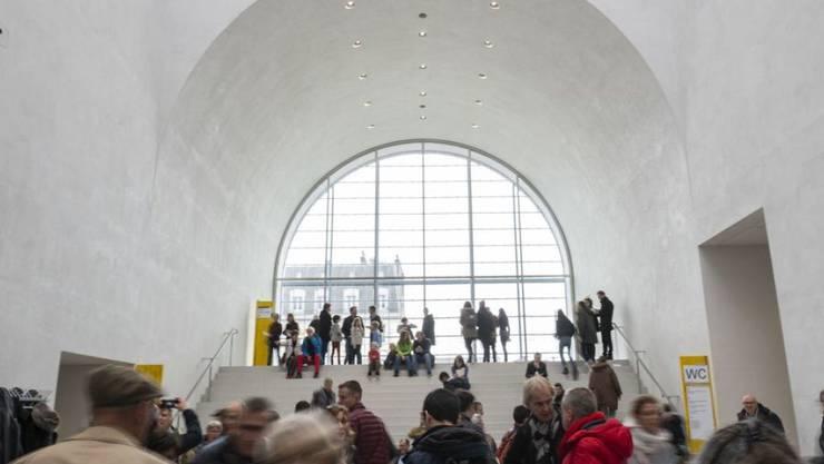 Am Wochenende 6./7. April 2019 besuchten 21'000 Personen das neue Kunstmuseum in Lausanne. Es ist Teil des Museumsprojekts Plateforme 10 beim Hauptbahnhof. Die erste Ausstellung im Kunstmuseum eröffnet im Oktober 2019.