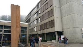 Ruft der Kanton die Notlage aus, werden in der Zivilschutzanlage der Berufsschule Lenzburg im Neuhof Asylsuchende einquartiert.