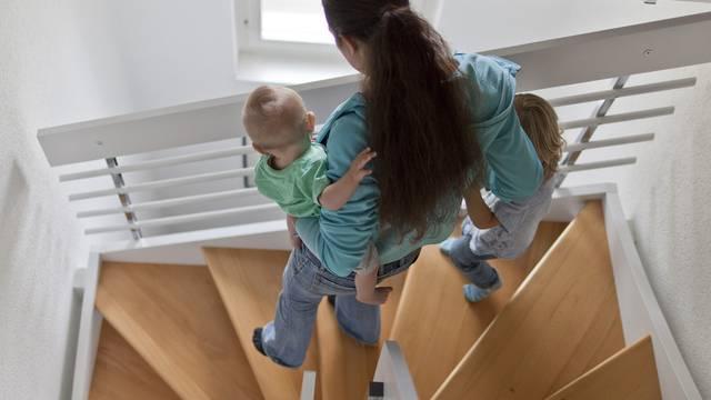Finanzielle Eskapaden liegen für Haushalte mit Kindern selten drin (Symbolbild)