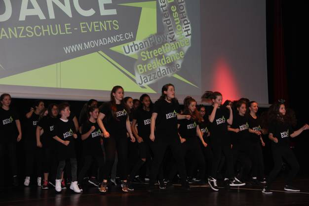 Die Kulturnacht im Campussaal Brugg-Windisch war ein Erfolg;Tanzgruppe von Mova Dance in action