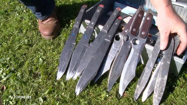 Hier messen sich die besten Axt- und Messerwerfer der Schweiz