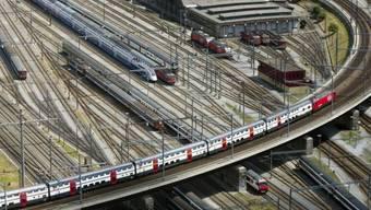 Die Stimmenden sagen Ja zum Ausbau des Schienennetzes (Symbolbild)