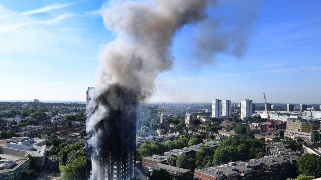 Expertenbericht: Im Londoner Grenfell Tower haben Spezialisten nach dem Grossbrand zahlreiche Mängel gefunden. (Archivbild)