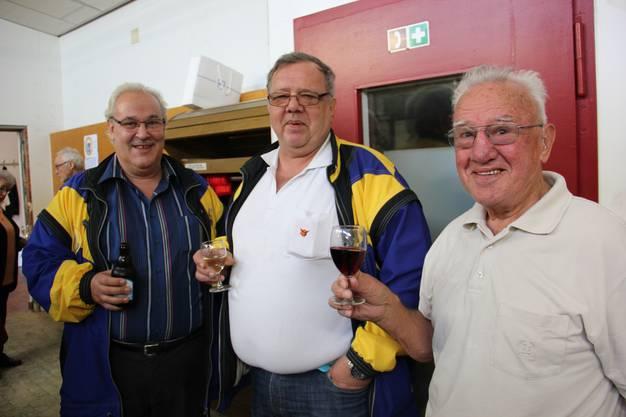 Von den Sportschützen (vl), Albert Buchwalder (Präsident), Heinz und Ernst Gamper.