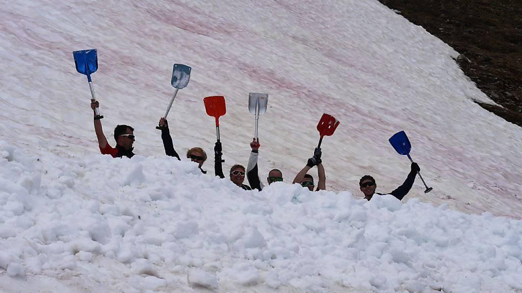Schneeschaufeln bei 22 Grad