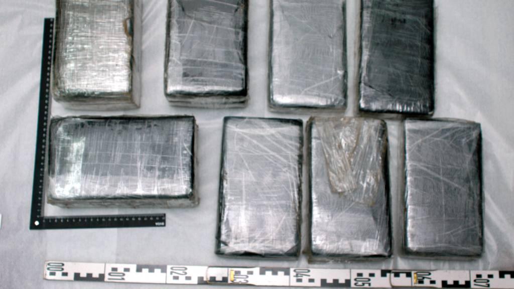 Schaffhauser Polizei findet 30 Kilogramm Kokain in Sattelschlepper