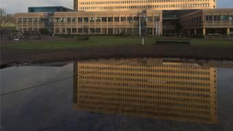 Um bei Starkregen das Abwasser zu speichern, soll beim Kantonsspital Baden ein Rückhaltebecken entstehen. ASp/Archiv