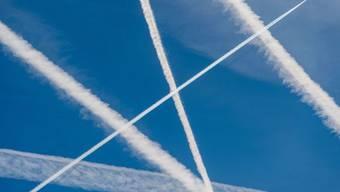 Die deutsche Luftfahrtbranche hat ein Massnahmepaket zur Senkung des CO2-Ausstosses vorgestellt. (Symbolbild)