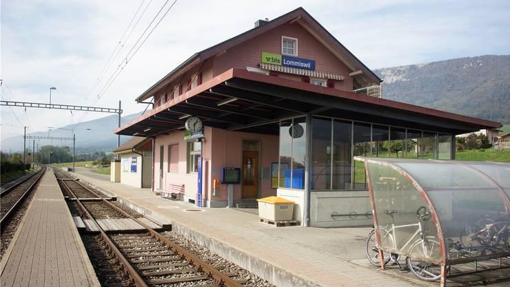 Bis zu zehn Minuten Verspätung hat der Zug auf der Strecke Moutier-Solothurn bei der Haltestelle Lommiswil. (Archivbild)