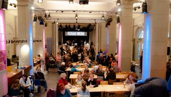 Vielfältiges Arbeitsumfeld: Der Kulturmarkt ist Restaurant, Quartiertreff und Bühne zugleich.