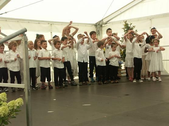 Mit Gesang umrahmten die Kinder die Morgenfeier gleich selber.