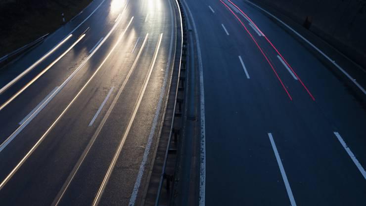 Warum der Italiener zu Fuss auf der Autobahn unterwegs war, ist zur Zeit nicht bekannt. (Symbolbild)