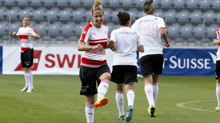 Caroline Abbé (im Vordergrund) spielt neu für die FCZ Frauen