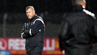 Xamax-Coach Stéphane Henchoz kann mit dem einen Punkt im Regen von Lugano leben